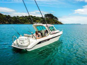 Equipar barco com dois ou mais motores.